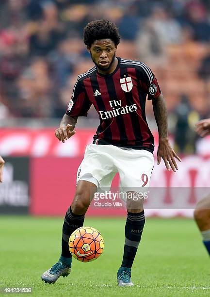 Luiz Adriano of AC Milan in action during the Serie A match between AC Milan and US Sassuolo Calcio at Stadio Giuseppe Meazza on October 25 2015 in...