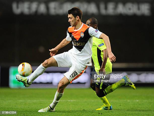Luiz Carlos of SC Braga challenges Facundo Ferreyra of Shakhtar Donetsk during the UEFA Europa League Quarter Final first leg match between SC Braga...