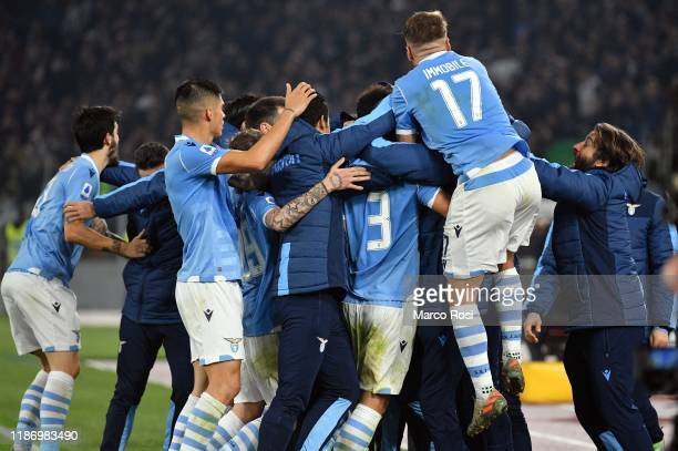 Luiz Felipe of SS Lazio celebrates after scoring the first goal of his team with his teammates during the Serie A match between SS Lazio and Juventus...