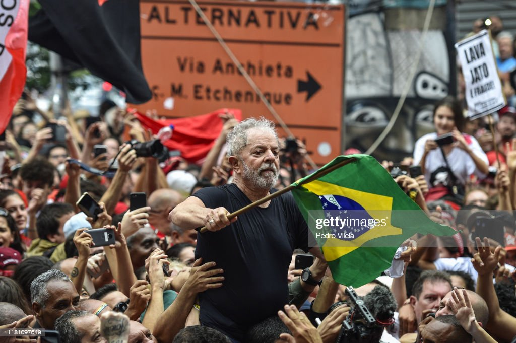 Former President Lula of Brazil Makes a Speech at the Sindicato dos Metalurgicos do ABC After Being Released from Prison : ニュース写真