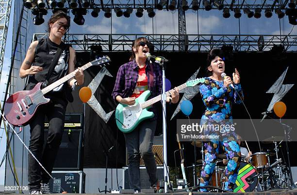 """Luiza Sa, Ana Rezende, and Lovefoxxx of CSS """"Cansei de Ser Sexy"""" perform as part of the Austin City Limits Music Festival at Zilker Park on September..."""