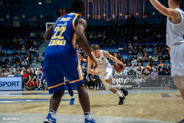 Luka Doncic #7 of Real Madrid drives to the basket during the 2017/2018 Turkish Airlines EuroLeague Regular Season Round 17 game between Khimki...