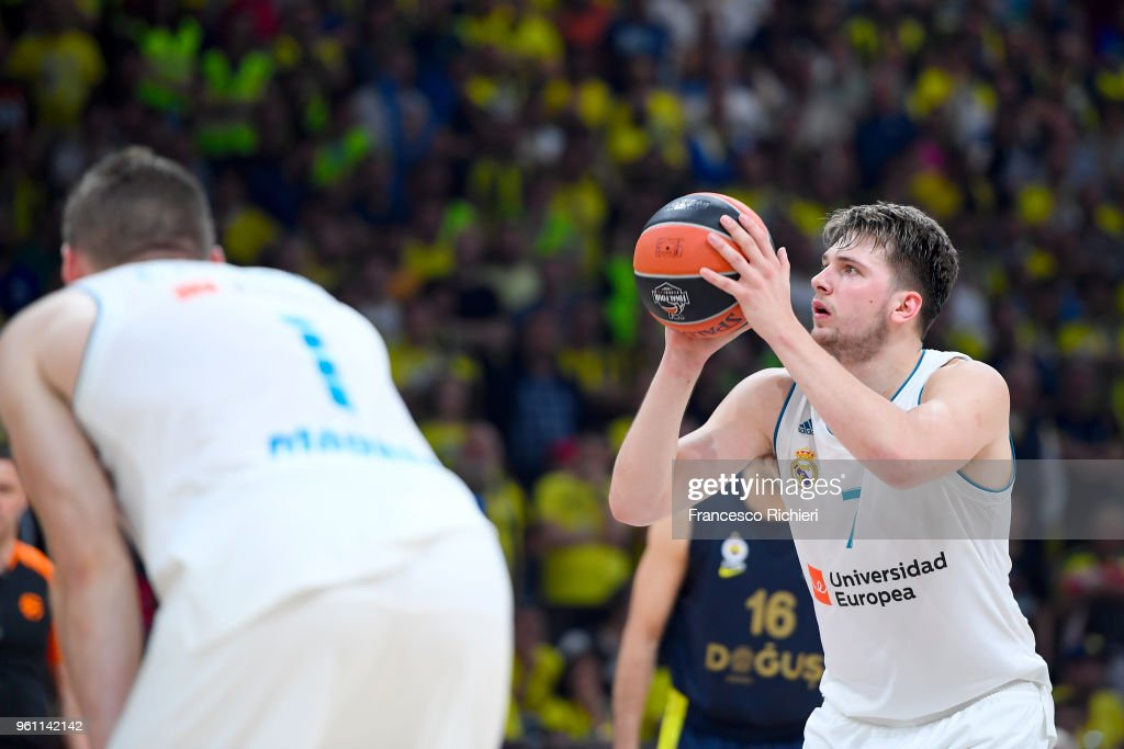 Championship Game Real Madrid v Fenerbahce Dogus Istanbul - 2018 Turkish Airlines EuroLeague F4 : News Photo
