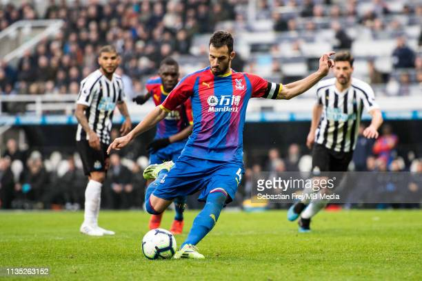 Luka Milivojevi of Crystal Palace scoring goal from penalty spot during the Premier League match between Newcastle United and Crystal Palace at St...