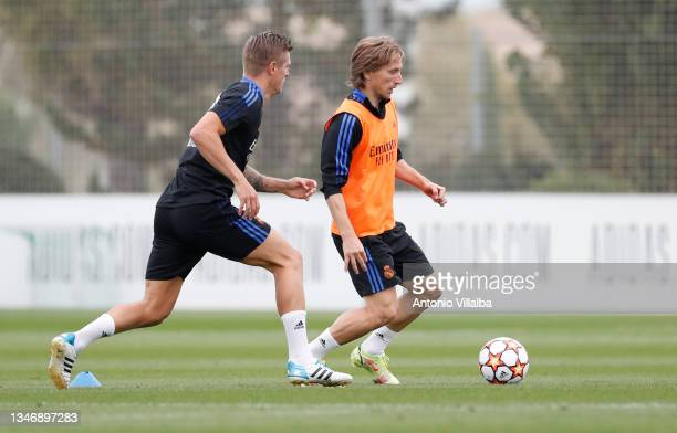 Luka Modric and Toni Kroos of Real Madrid are training at Valdebebas training ground on October 16, 2021 in Madrid, Spain.