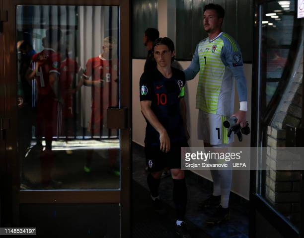 Luka Modric of Croatia and goalkeeper Wayne Hennessey of Wales waiting in the tunnel prior to the UEFA Euro 2020 Qualifiers Group E match between...