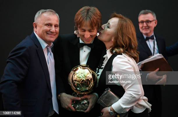 Luka Modric of Croatia and Real Madrid poses with his parents Radojka Modric and Stipe Modricafter he won the 2018 Ballon D'Or at Le Grand Palais on...