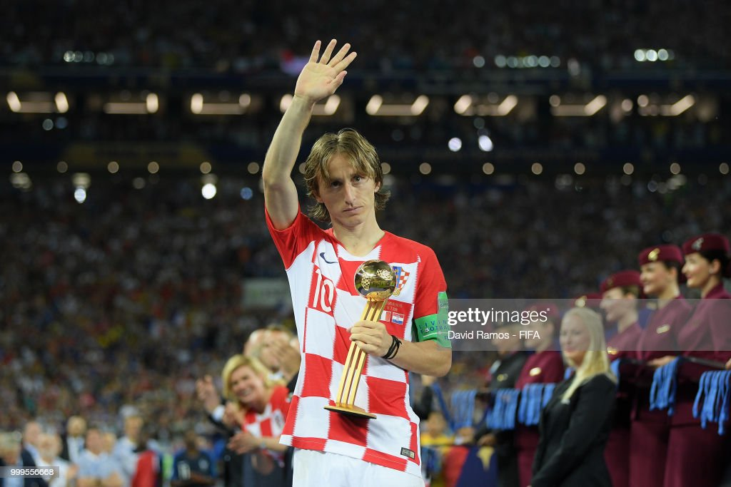 another chance 6cb62 48510 Luka Modric of Croatia pose with the adidas Golden Ball ...