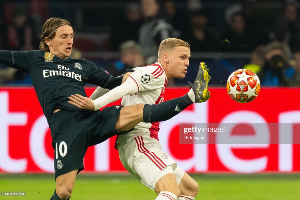 Ajax v Real Madrid - UEFA Champions League Round of 16: First Leg : Nieuwsfoto's