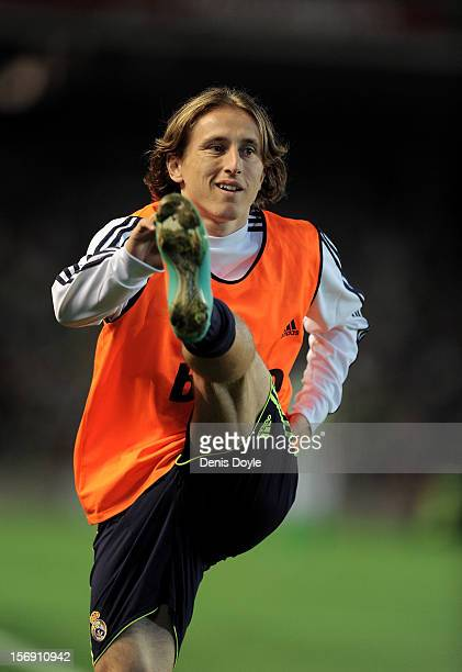 Luka Modric of Real Madrid CF warms up from the touchline during the La Liga match between Real Betis Balompie and Real Madrid CF at Estadio Benito...