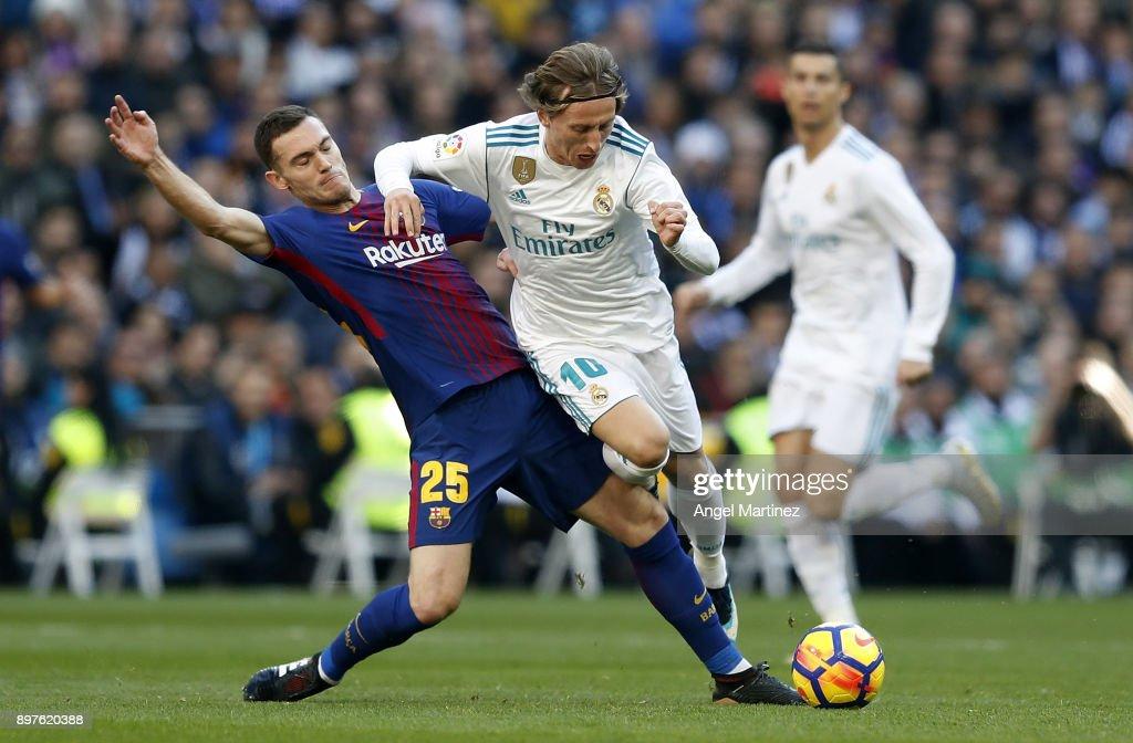 Real Madrid v Barcelona - La Liga : Foto di attualità