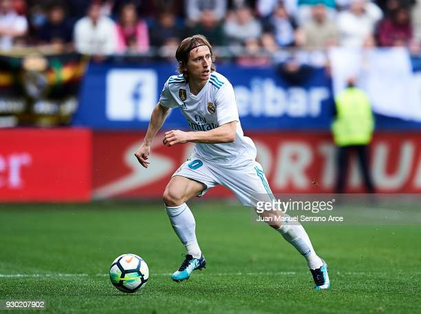 Luka Modric of Real Madrid controls the ball during the La Liga match between SD Eibar and Real Madrid at Ipurua Municipal Stadium on March 10 2018...