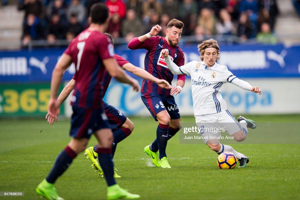 SD Eibar v Real Madrid CF - La Liga : News Photo