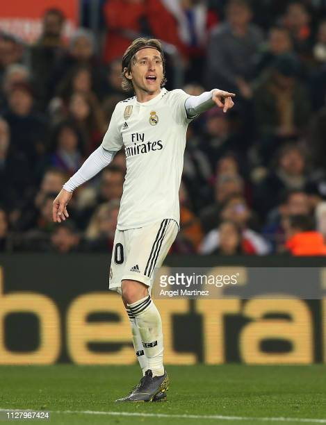 Luka Modric of Real Madrid gestures during the Copa del Rey Semi Final match between FC Barcelona and Real Madrid at Nou Camp on February 06 2019 in...
