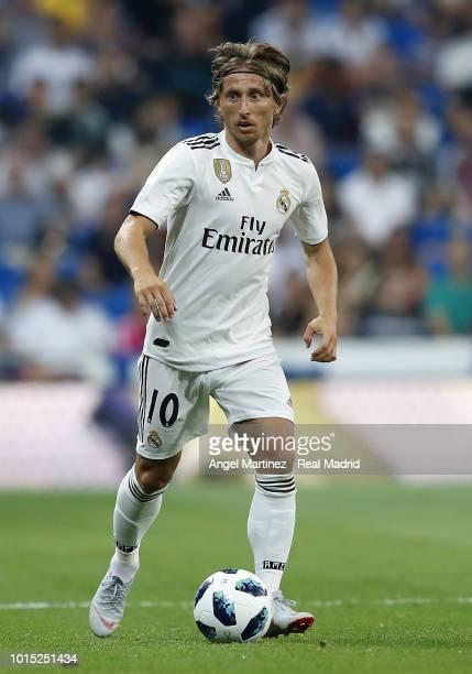 Luka Modric of Real Madrid in action during the Trofeo Santiago Bernabeu match between Real Madrid and AC Milan at Estadio Santiago Bernabeu on...
