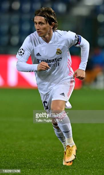 Luka Modric of Real Madrid in action during the UEFA Champions League Round of 16 match between Atalanta and Real Madrid at Gewiss Stadium on...