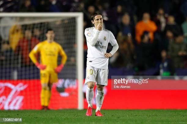 Luka Modric of Real Madrid reacts to Levante UD scoring there first goal during the La Liga match between Levante UD and Real Madrid CF at Ciutat de...