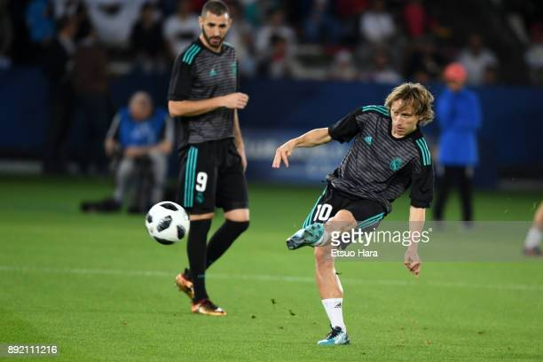 Luka Modric of Real Madrid warms up prior to the FIFA Club World Cup UAE 2017 semifinal match between Al Jazira and Real Madrid on December 13 2017...