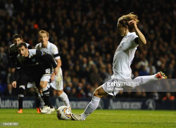 Luka Modric of Spurs scores their first goal from the penalty spot during the UEFA Europa League Group A between Tottenham Hotspur and PAOK Salonika...