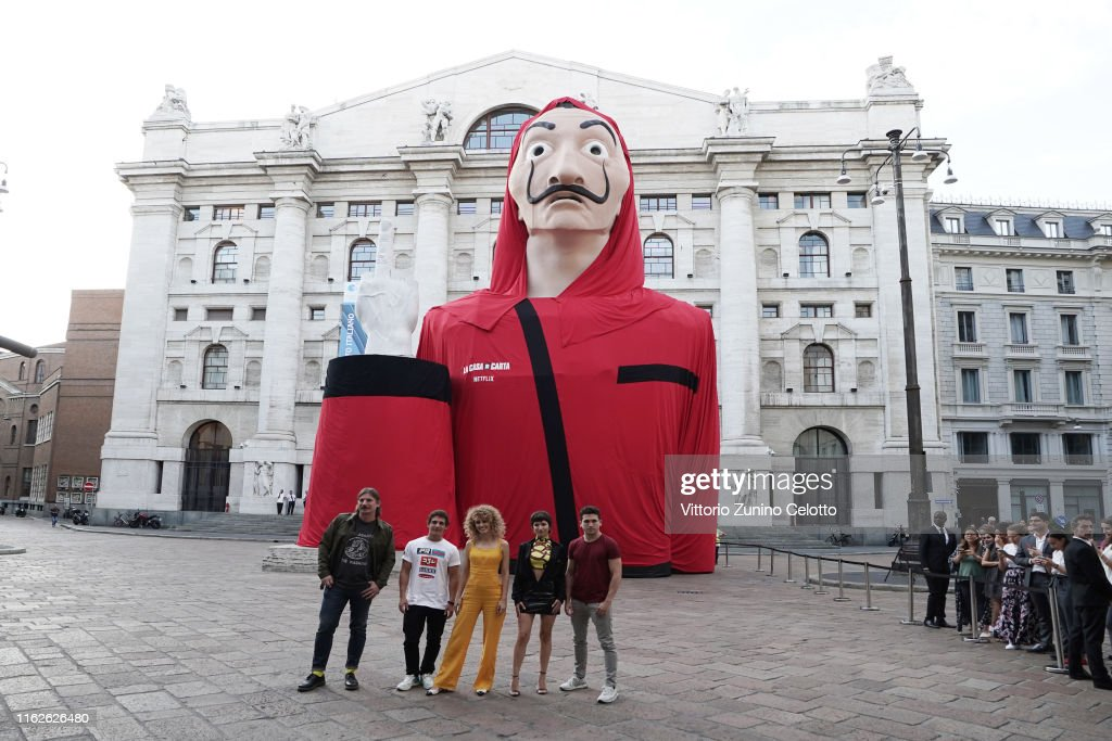 """Piazza De Papel"" - ""La Casa Di Carta"" (Money Heist) Event In Milan : Foto di attualità"