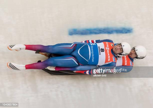Lukas Broz und Antonin Broz im Kreisel waehrend dem FIL Rodel Weltcup der Herren Doppelsitzer auf der Kunsteisbahn in Igls am 18 November 2017