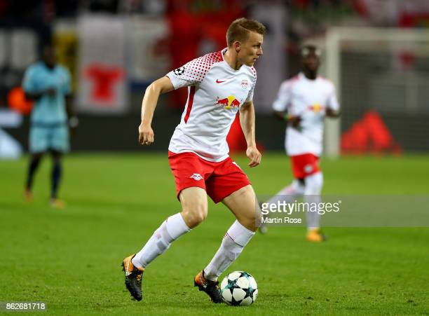 Lukas Klostermann of Leipzig runs with the ball during the UEFA Champions League group G match between RB Leipzig and FC Porto at Red Bull Arena on...