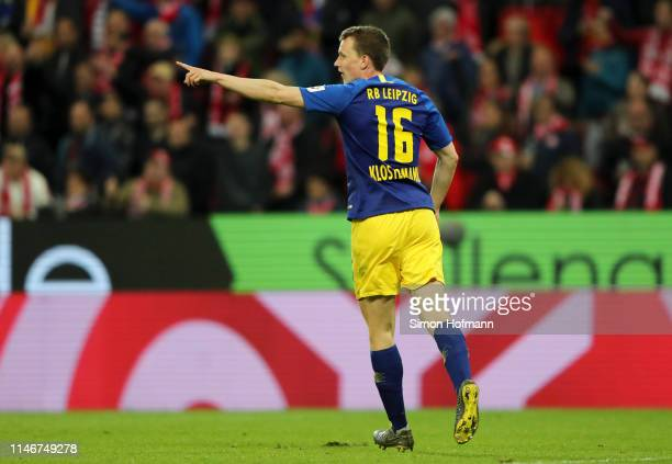 Lukas Klostermann of RB Leipzig celebrates after he scores his sides second goal during the Bundesliga match between 1. FSV Mainz 05 and RB Leipzig...