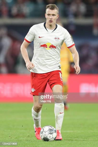 Lukas Klostermann of RB Leipzig controls the ball during the Bundesliga match between RB Leipzig and Borussia Moenchengladbach at Red Bull Arena on...