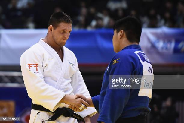 Lukas Krpalek of Czech Republic shakes hands with Yusei Ogawa of Japan after the Men's 100kg Final during day two of the Judo Grand Slam Tokyo at...