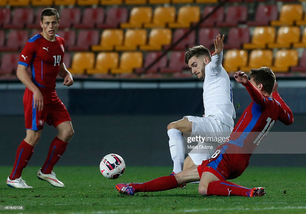 Lukas Masopust of Czech Republic (R) battles for the ball with Luke Garbutt of England (L) during the international friendly match between U21 Czech Republic and U21 England at Letna Stadium on March 27, 2015 in Prague, Czech Republic.