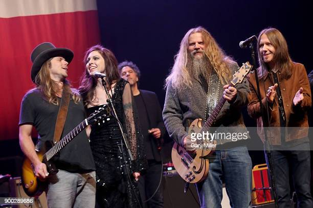 Lukas Nelson Amy Nelson Mickey Raphael Jamey Johnson and Charlie Starr perform in concert with Willie Nelson at ACL Live on December 31 2017 in...