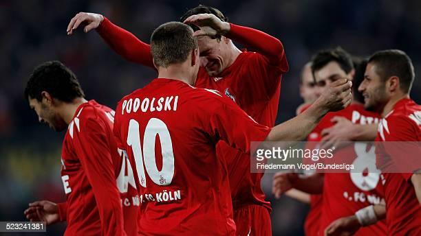 Lukas Podolski und Milivoje Novakovic von K÷ln jubeln nach dem Tor zum 30 waehrend des Bundesligaspiels zwischen1 FC Koeln und Hannover 96 im...