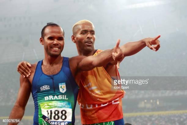 Lukas PRADOS et son guide 100 metres Atheltisme Jeux Paralympiques 2008 Pekin