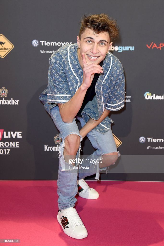 Lukas Rieger attends the 1Live Krone radio award at Jahrhunderthalle on December 7, 2017 in Bochum, Germany.