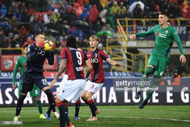 Lukasz Skorupski goalkeeper of Bologna FC in action during the Serie A match between Bologna FC and ACF Fiorentina at Stadio Renato Dall'Ara on...