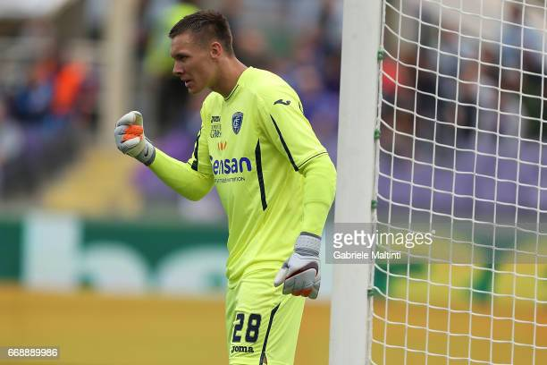 Lukasz Skorupski of Empoli FC in action during the Serie A match between ACF Fiorentina and Empoli FC at Stadio Artemio Franchi on April 15 2017 in...