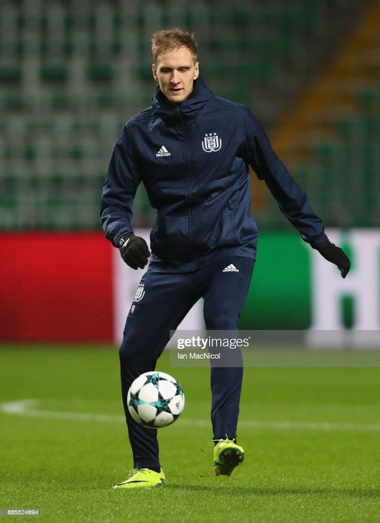 Lukasz Teodorczyk controls the ball during an Anderlecht training session on the eve of their UEFA Champions League match against Celtic at Celtic Park on December 4, 2017 in Glasgow, Scotland.