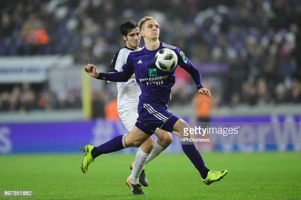 Lukasz Teodorczyk forward of RSC Anderlecht controls the ball on his chest in front of Marc Hernandez Valiente defender of Eupen during the Jupiler...