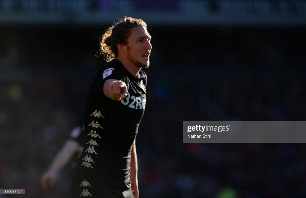 Luke Ayling of Leeds United gives instructions to his team mates during the Sky Bet Championship match between Barnsley and Leeds United at Oakwell Stadium on November 25, 2017 in Barnsley, England.