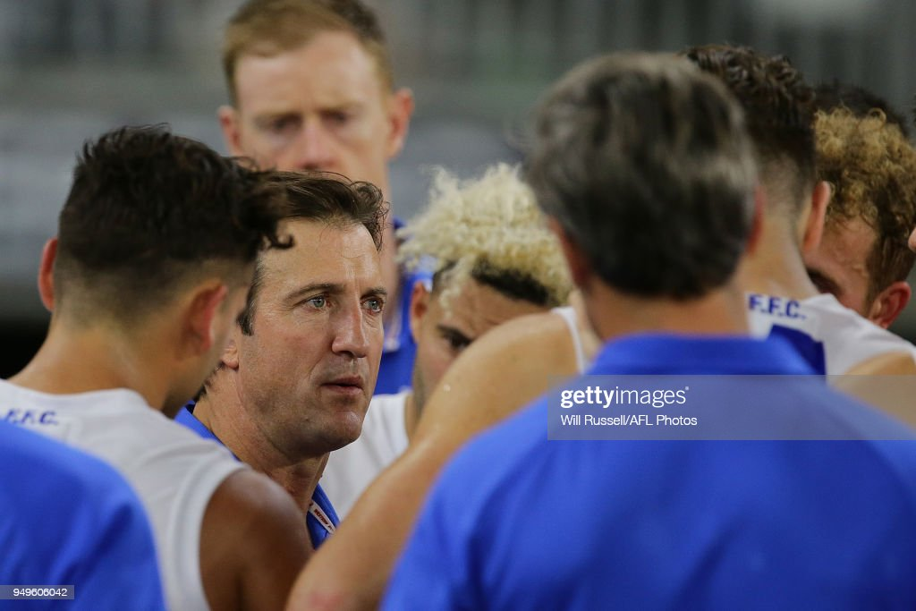 Luke Beveridge, Senior Coach of the Bulldogs, addresses the players at the three-quarter time break during the round five AFL match between the Fremantle Dockers and the Western Bulldogs at Optus Stadium on April 21, 2018 in Perth, Australia.