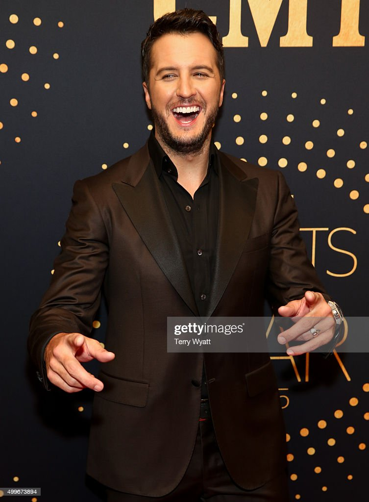 Luke Bryan attends the 2015 'CMT Artists of the Year' at Schermerhorn Symphony Center on December 2, 2015 in Nashville, Tennessee.