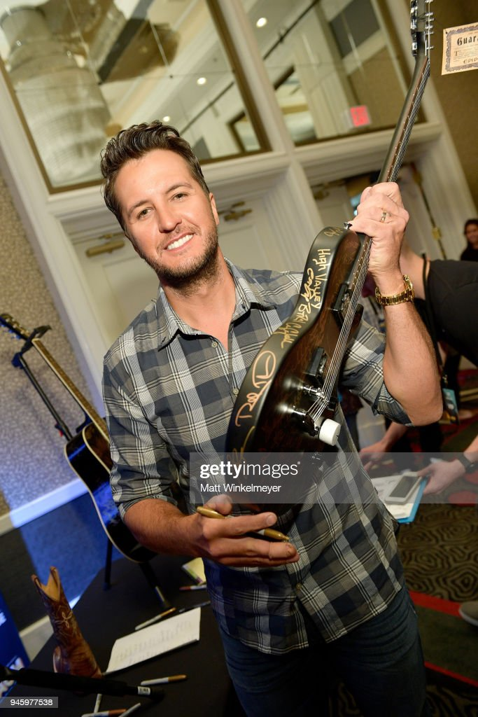 NV: 53rd Academy Of Country Music Awards Cumulus/Westwood One Radio Remotes - Day 1