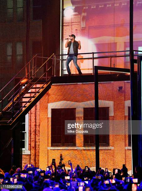 Luke Bryan performs at the 2019 CMT Music Awards at Bridgestone Arena on June 05, 2019 in Nashville, Tennessee.