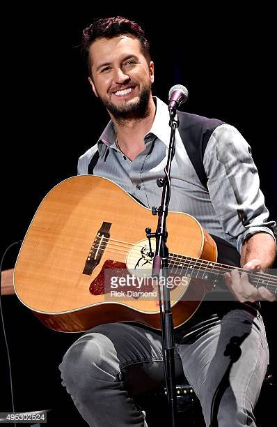 Luke Bryan performs at the Country Music Hall of Fame and Museum on November 1 2015 in Nashville Tennessee