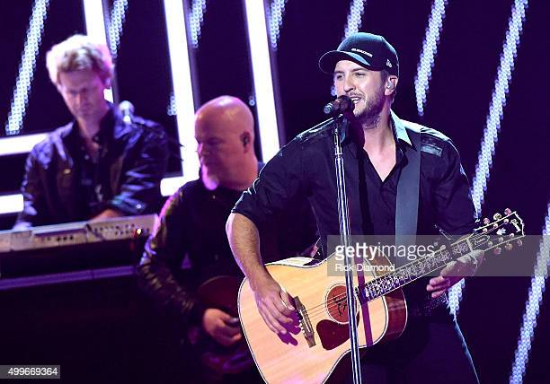 Luke Bryan performs onstage during the 2015 'CMT Artists of the Year' at Schermerhorn Symphony Center on December 2 2015 in Nashville Tennessee