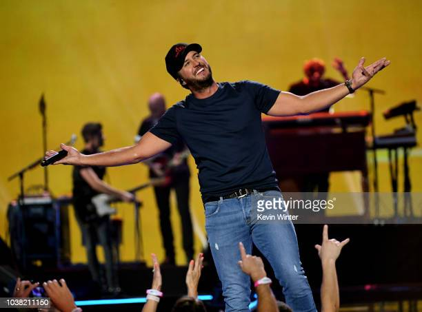 Luke Bryan performs onstage during the 2018 iHeartRadio Music Festival at TMobile Arena on September 22 2018 in Las Vegas Nevada