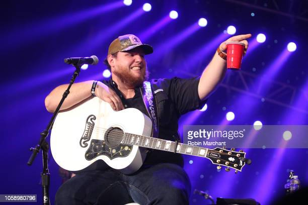 Luke Combs performs during a Radiocom 'Stars and Strings' Concert to honor our nation's veterans at Chicago Theatre on November 7 2018 in Chicago...