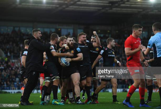 Luke CowanDickie of Exeter Chiefs celebrates after scoring his sides first try during the Gallagher Premiership Rugby match between Exeter Chiefs and...