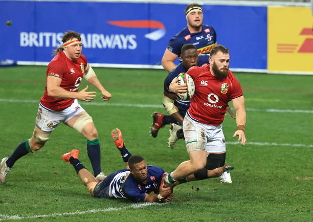 CAPE TOWN, SOUTH AFRICA - JULY 17: Luke Cowan-Dickie of the British & Irish Lions breaks clear to score their second try during the match between the DHL Stormers and the British & Irish Lions at Cape Town Stadium on July 17, 2021 in Cape Town, South Africa. (Photo by David Rogers/Getty Images)
