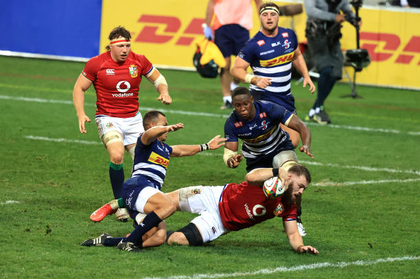 CAPE TOWN, SOUTH AFRICA - JULY 17: Luke Cowan-Dickie of the British & Irish Lions breaks through to score the second try during the match between DHL Stormers and British & Irish Lions at Cape Town Stadium on July 17, 2021 in Cape Town, South Africa. (Photo by David Rogers/Getty Images)